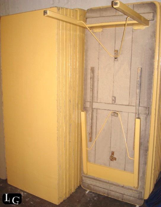 Lino giovo sillas y mesas for Patas de mesa plegables